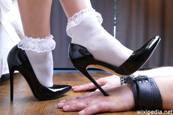 Domina High Heels